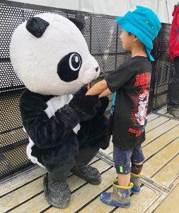 京都大作戦や各地の夏フェスに出没するパンダ